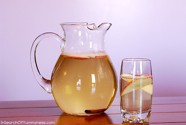 Here's my version of Padma Lakshmi's Fairy Water. This one has green tea, apple and cinnamon. | InSearchOfYummyness.com