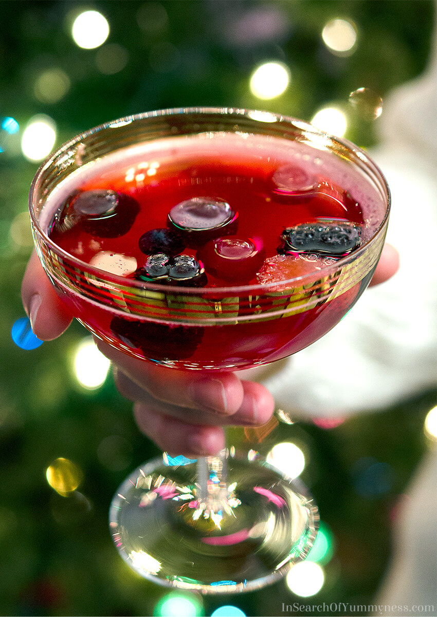 Learn how to make this sparkling cranberry punch at InSearchOfYummyness.com