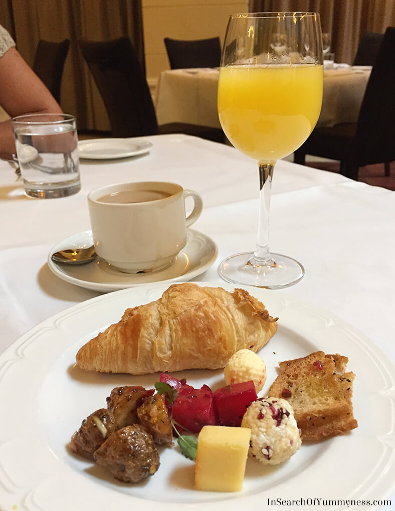 Sunday Brunch at the Windsor Arms Hotel in Toronto | InSearchOfYummyness.com