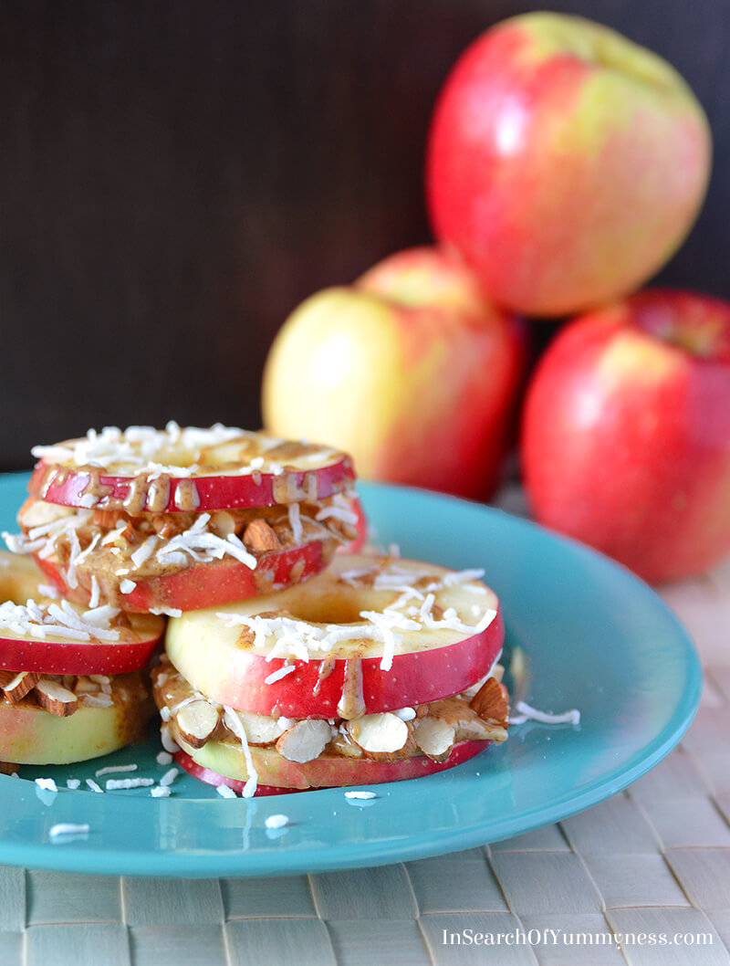 Crunchy apple sandwich snacks made with juicy SweeTango apples! Get the recipe at SweeTango.com. #sponsored #FreeTheCrunch
