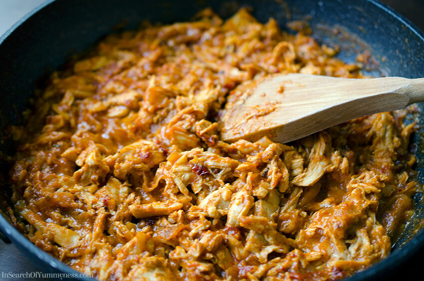 Making chicken tinga | InSearchOfYummyness.com
