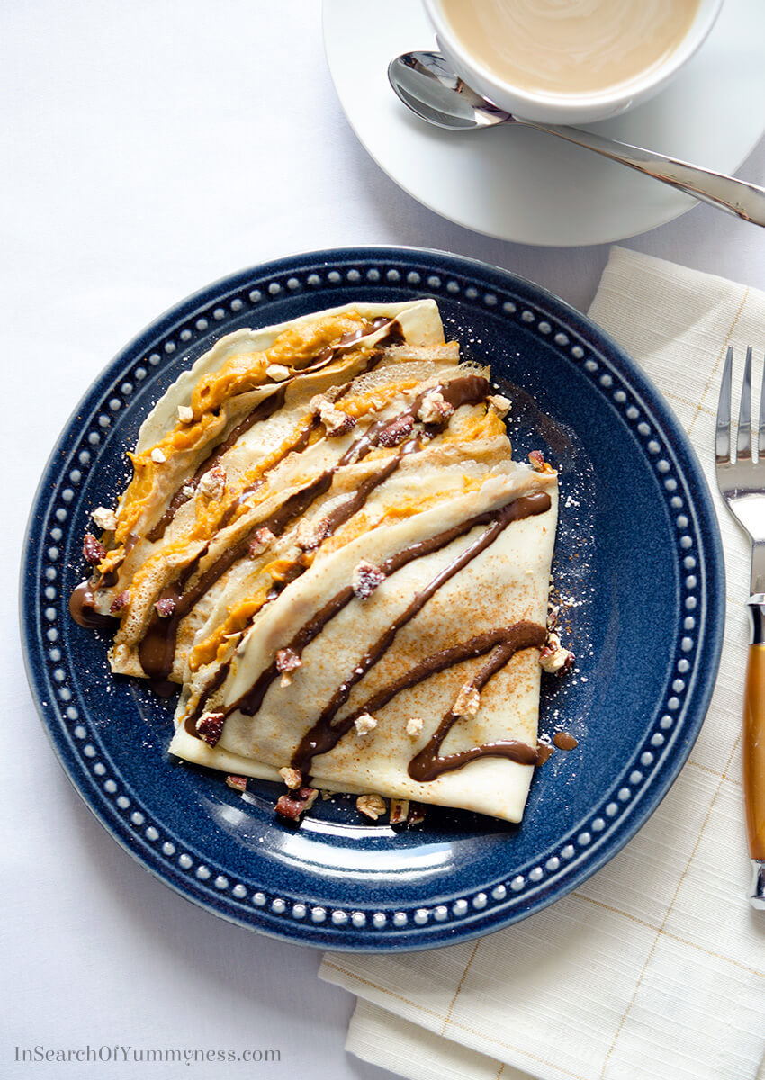 These pumpkin pie crepes, with chocolate syrup and toasted pecans, are a great way to end your #Thanksgiving dinner. The best part is that you can make this all on your stovetop - leaving the oven free for your turkey! Get the #recipe at InSearchOfYummyness.com