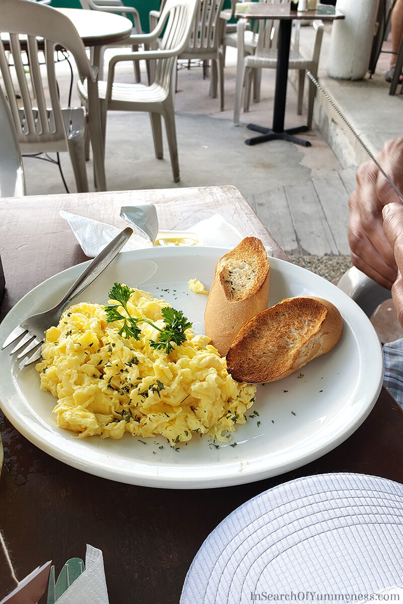 Scrambled eggs from Zee Best in St. Maarten | In Search Of Yummy-ness
